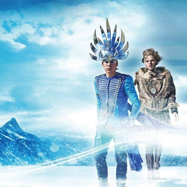 Alive – Empire of the Sun (Video)